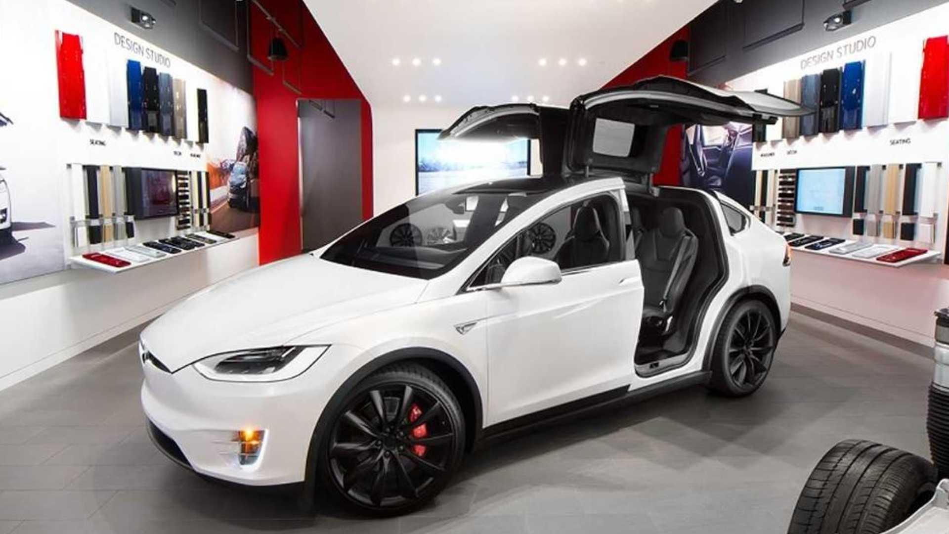 Tesla планирует открыть свой первый настоящий автономный магазин в Мичигане