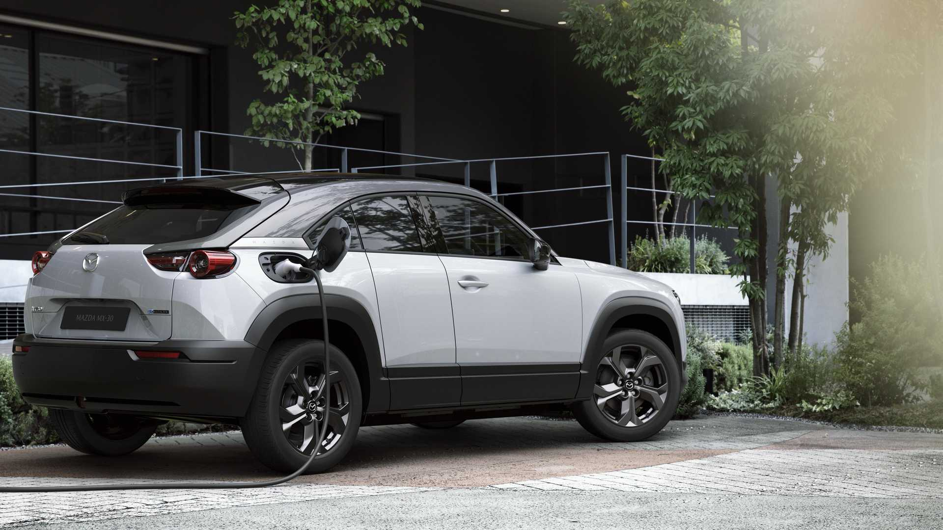 Mazda начинает производство MX-30 EV