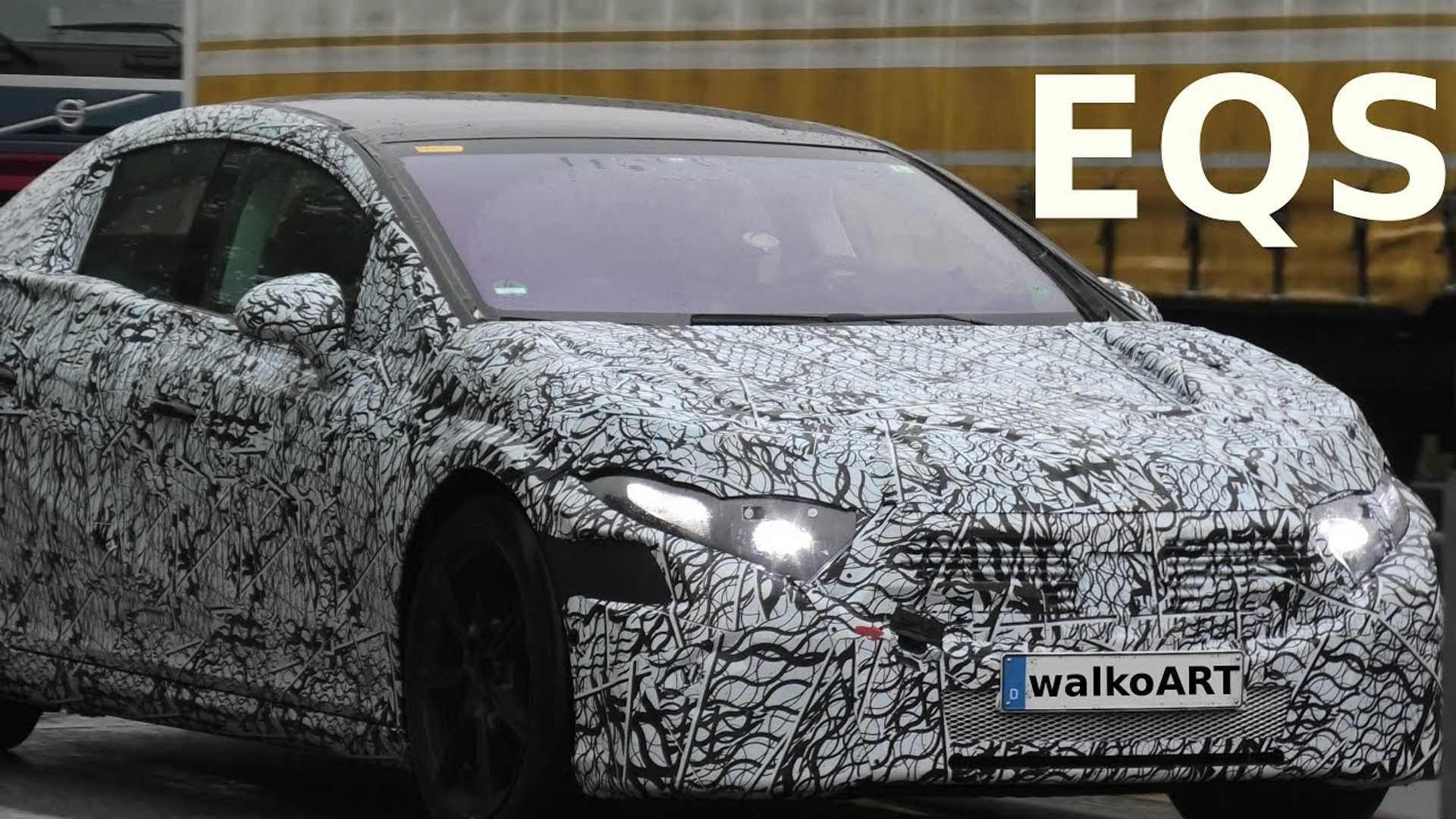 Прототип Mercedes-Benz EQS все еще находится под тяжелым камуфляжем
