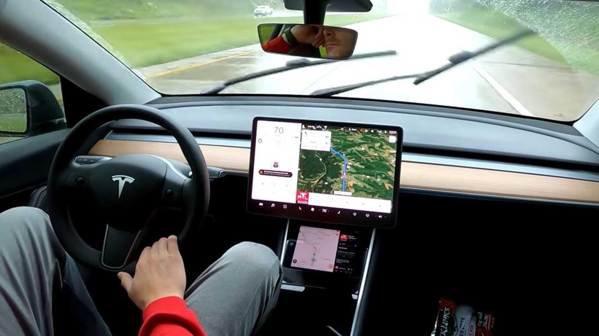 Это 1000-мильное путешествие по Tesla Model Y не очень удачно