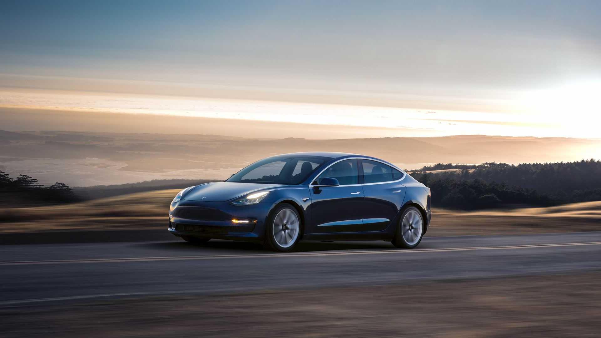 Более десятка новых автомобилей в Европе были подключены в апреле 2020 года
