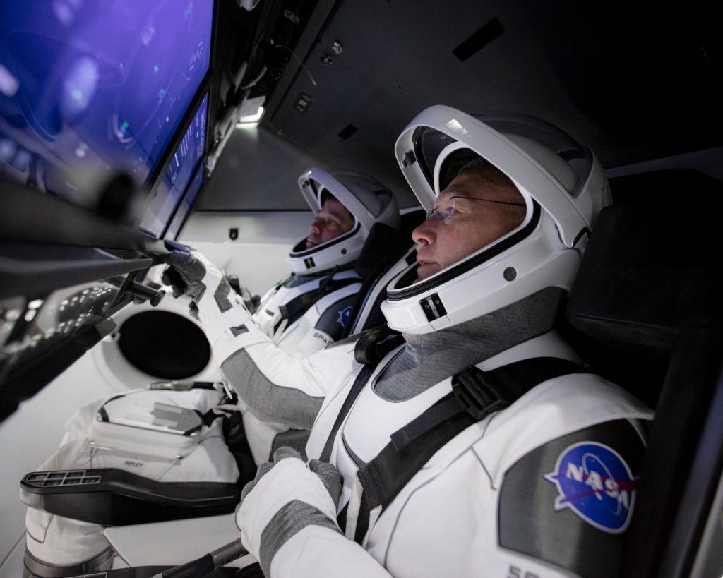 Демо-2: Знакомство с космонавтами - Тесла Моторс Клуб