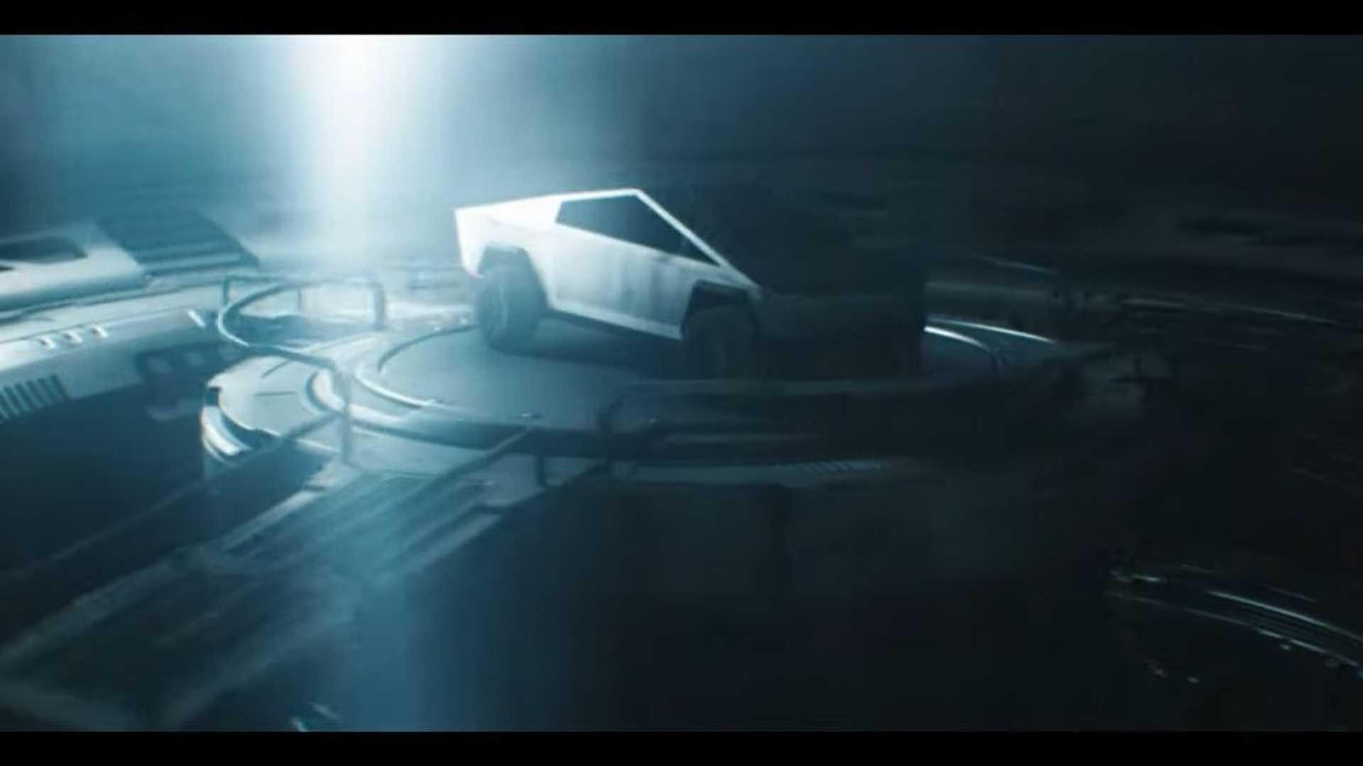 Эпическая реклама Tesla Cybertruck под названием «Она пришла из-за пределов»