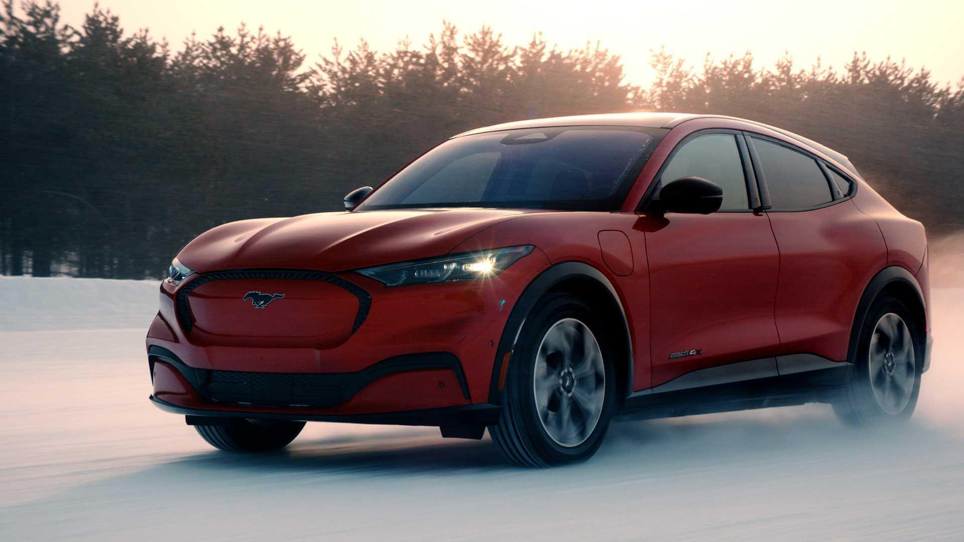 Ford Mustang Mach-E готов к сюрпризам матери-природы