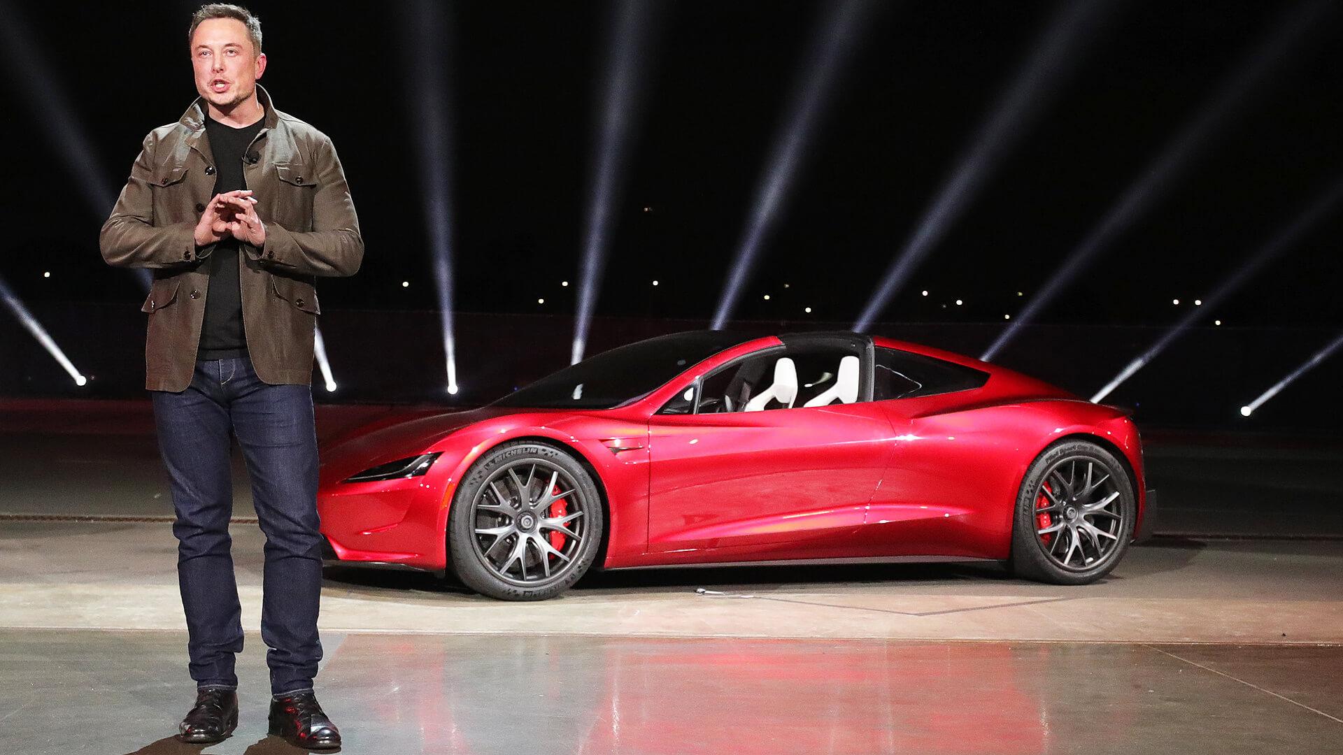 Элон Маск признает, что ему не хватает пунктуальности, но Тесла все еще доставил