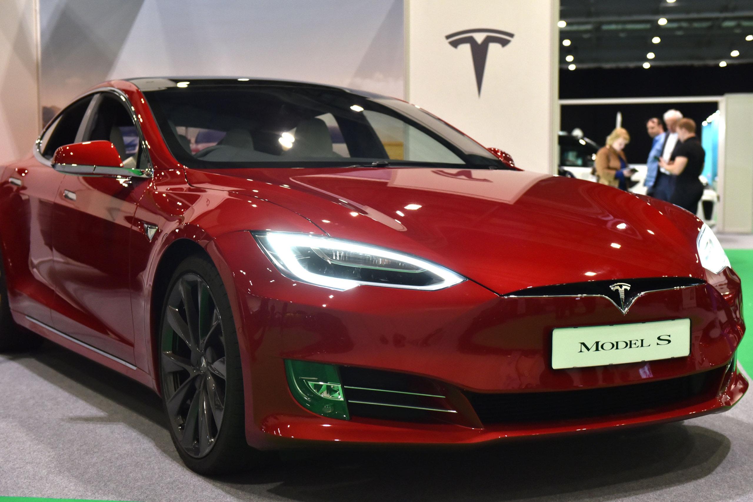 Почему мы продали Tesla, несмотря на наше долгосрочное дело с быком