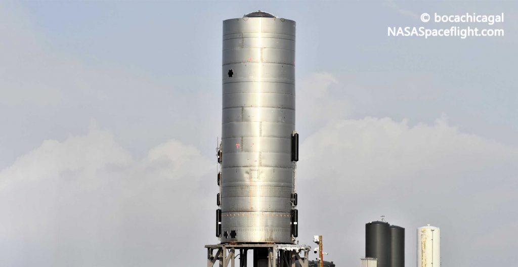 Прототип SpaceX сгорел, но не пострадал после пожара [photos]