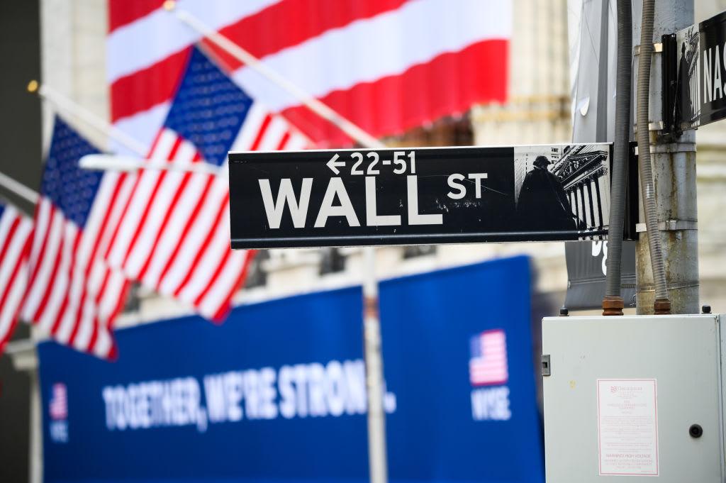 Фьючерсы на акции не изменились, поскольку инвесторы взвешивают возобновление экономики и напряженность в отношениях между США и Китаем