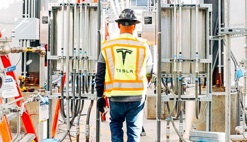 Tesla публикует план «Возвращение к работе»
