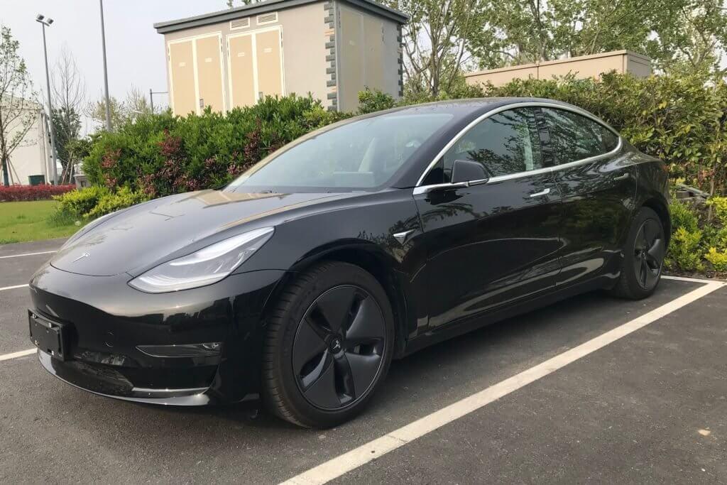 Tesla снижает цену модели 3 из Китая на 10%