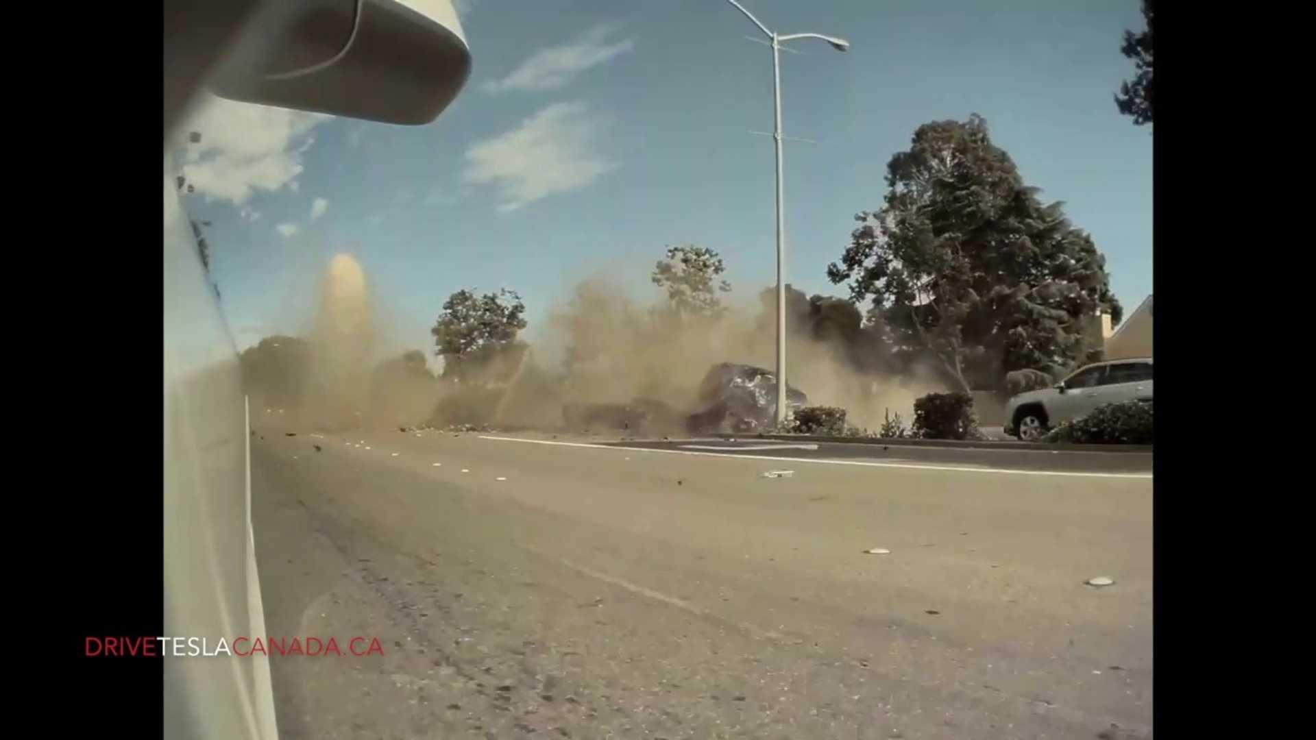 Приборная панель Tesla Model 3 ловит ужасную аварию, вызванную яростью на дороге