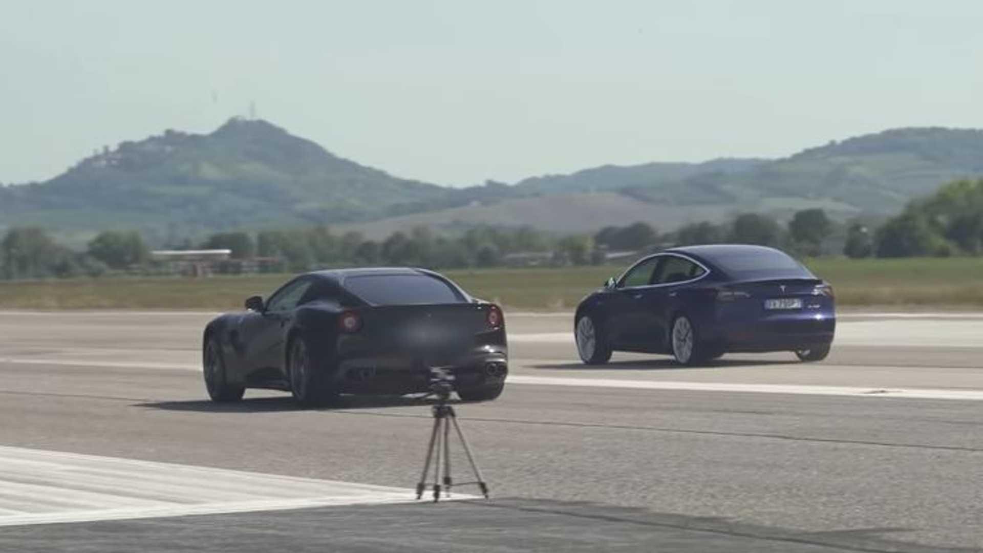 Часы Tesla Model 3 Performance Снять Ferrari F12: делает модель S гордой