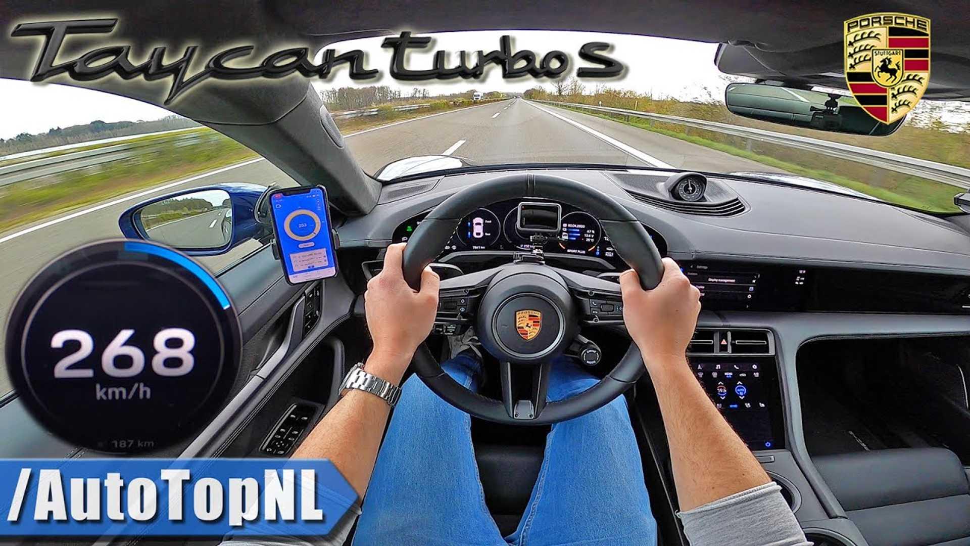Порше Турбо Taycan Верхней Точки Зрения Скорости Автобана С Видео