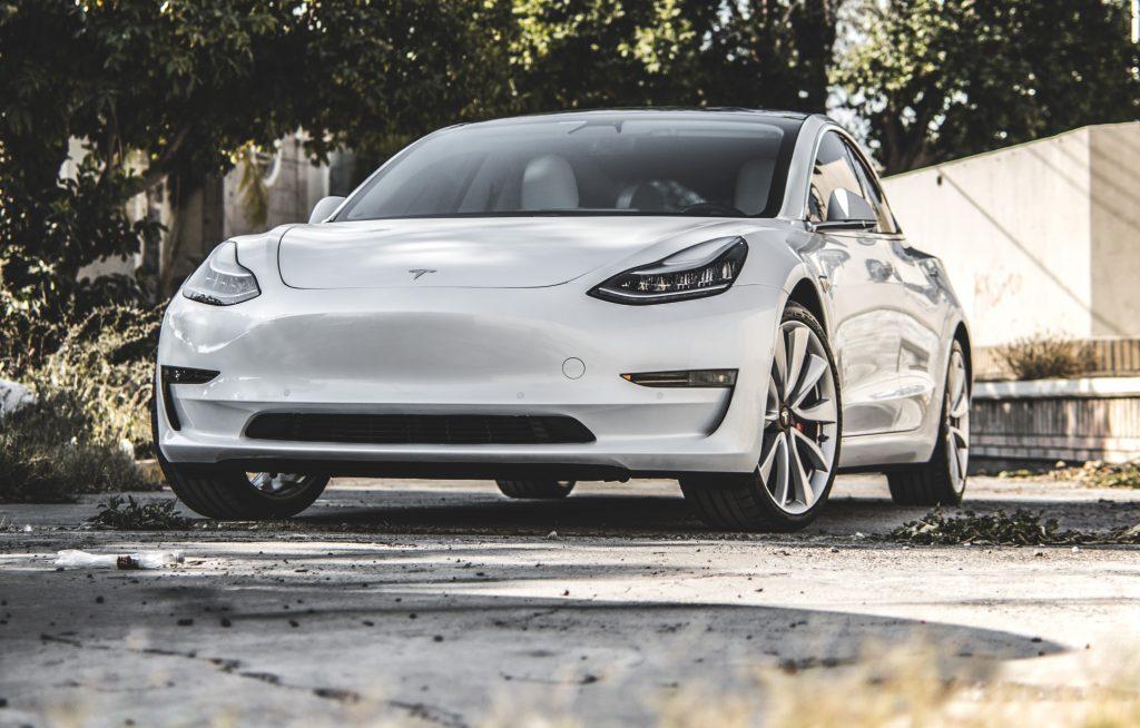 Tesla - одна из самых надежных автомобильных компаний Австралии