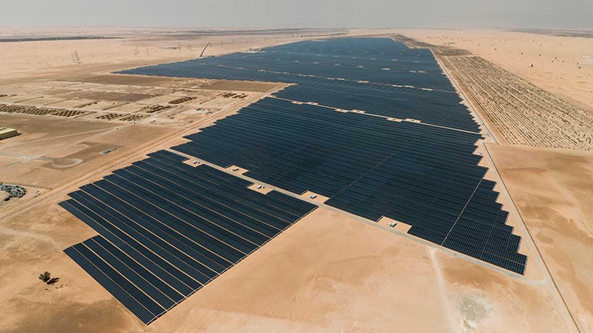Рекорд 1,35 цента / кВтч солнечной заявки в Абу-Даби прогнозирует чистое будущее