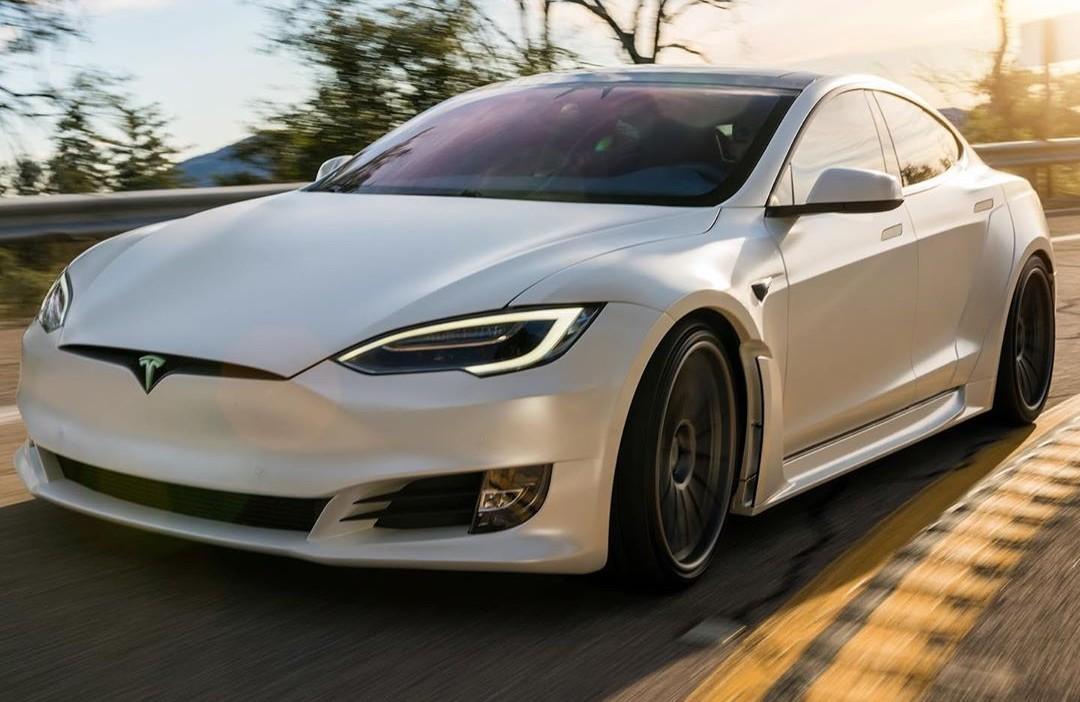Тесла (TSLA) получает новую цель по цене в 1200 долларов за сильный постпандемический потенциал