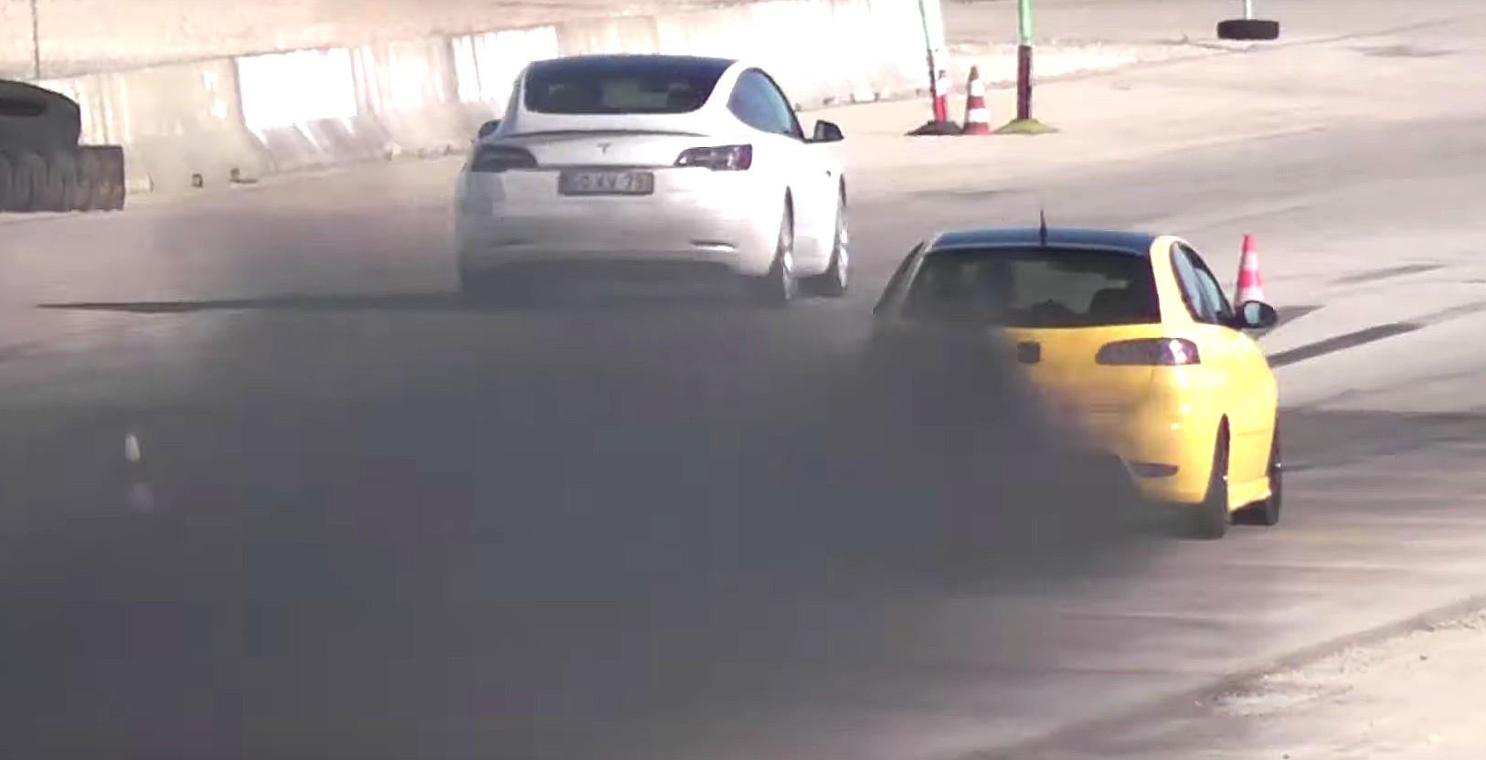 Tesla, производители электромобилей оставляют газовые машины в пыли с новым немецким законопроектом о стимулировании экономики