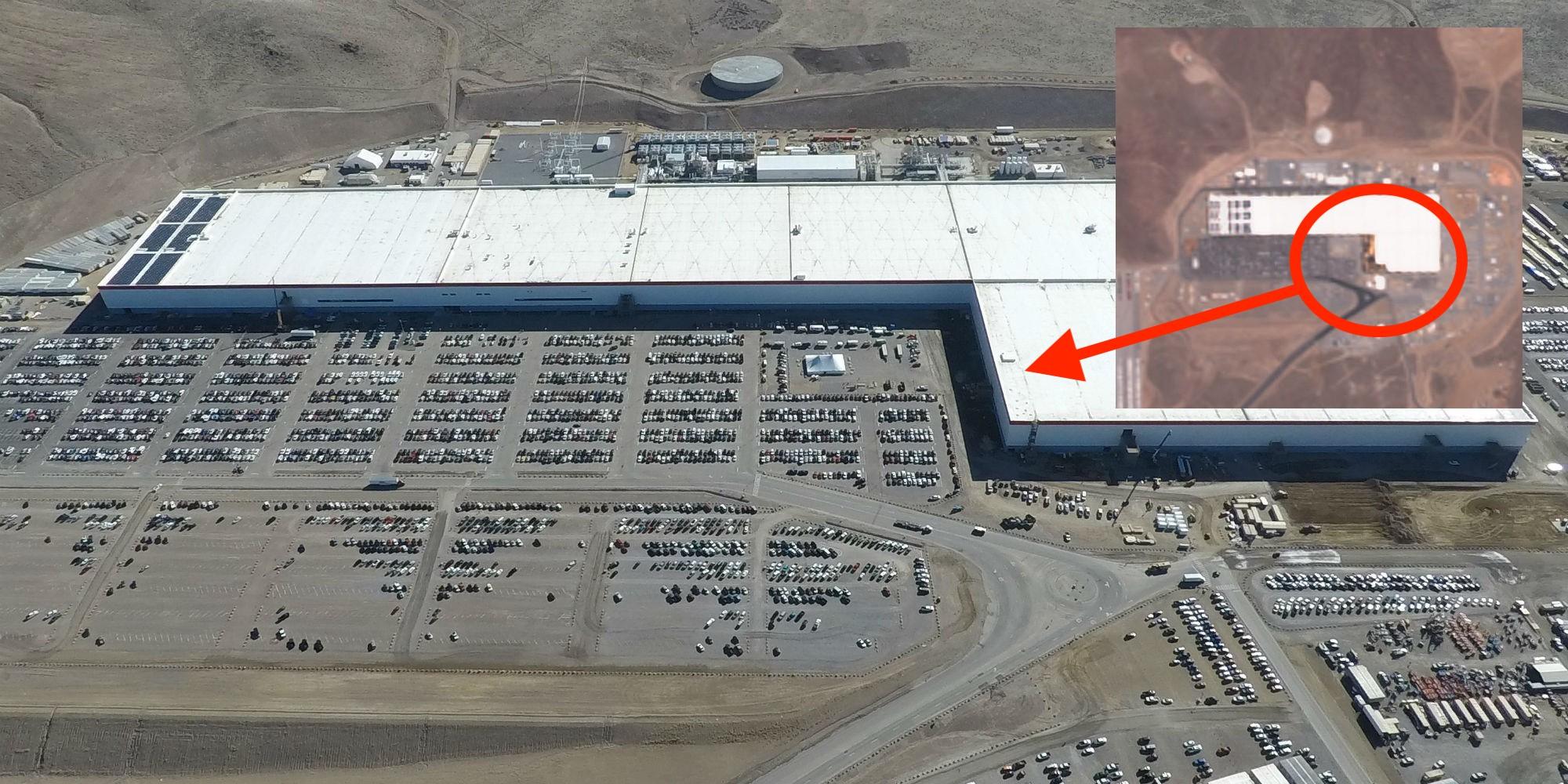 Экстерьер Tesla Gigafactory Nevada показывает признаки обширного строительства