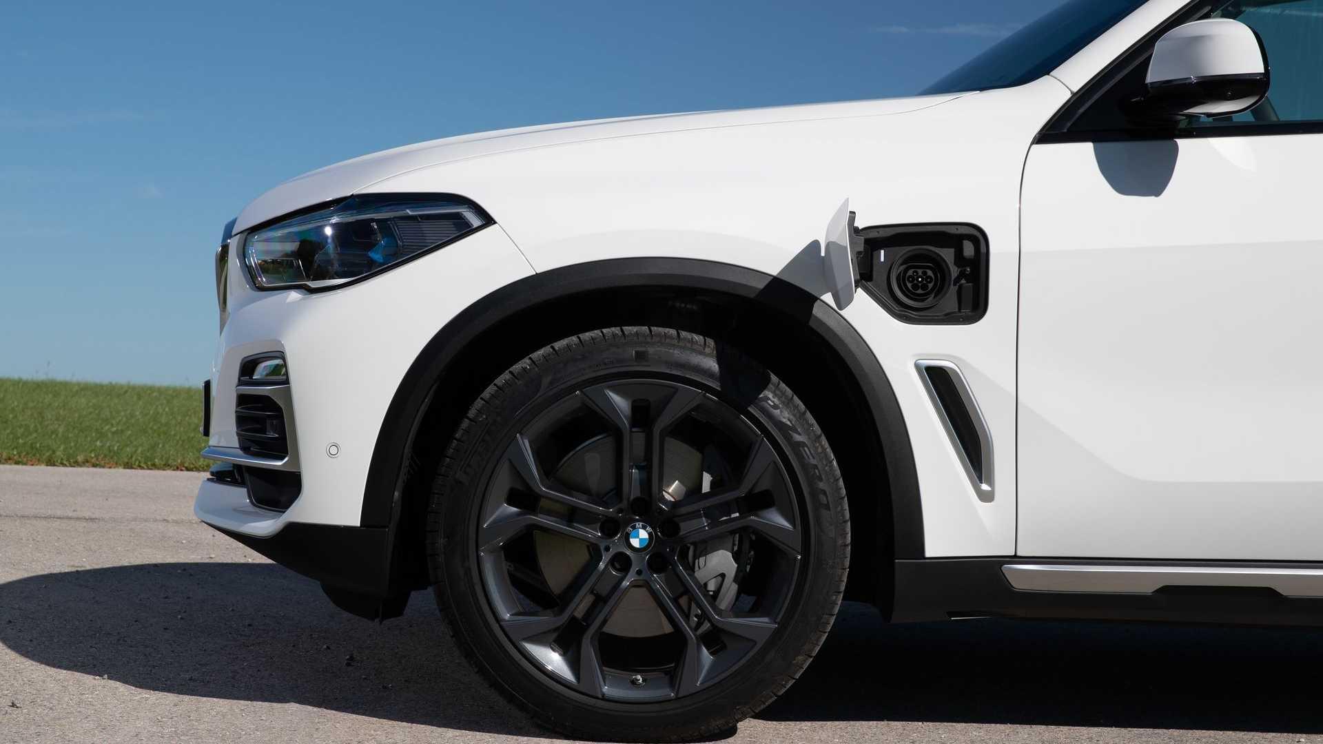 Вот позиция BMW Group на рынке подключаемых электромобилей: май 2020