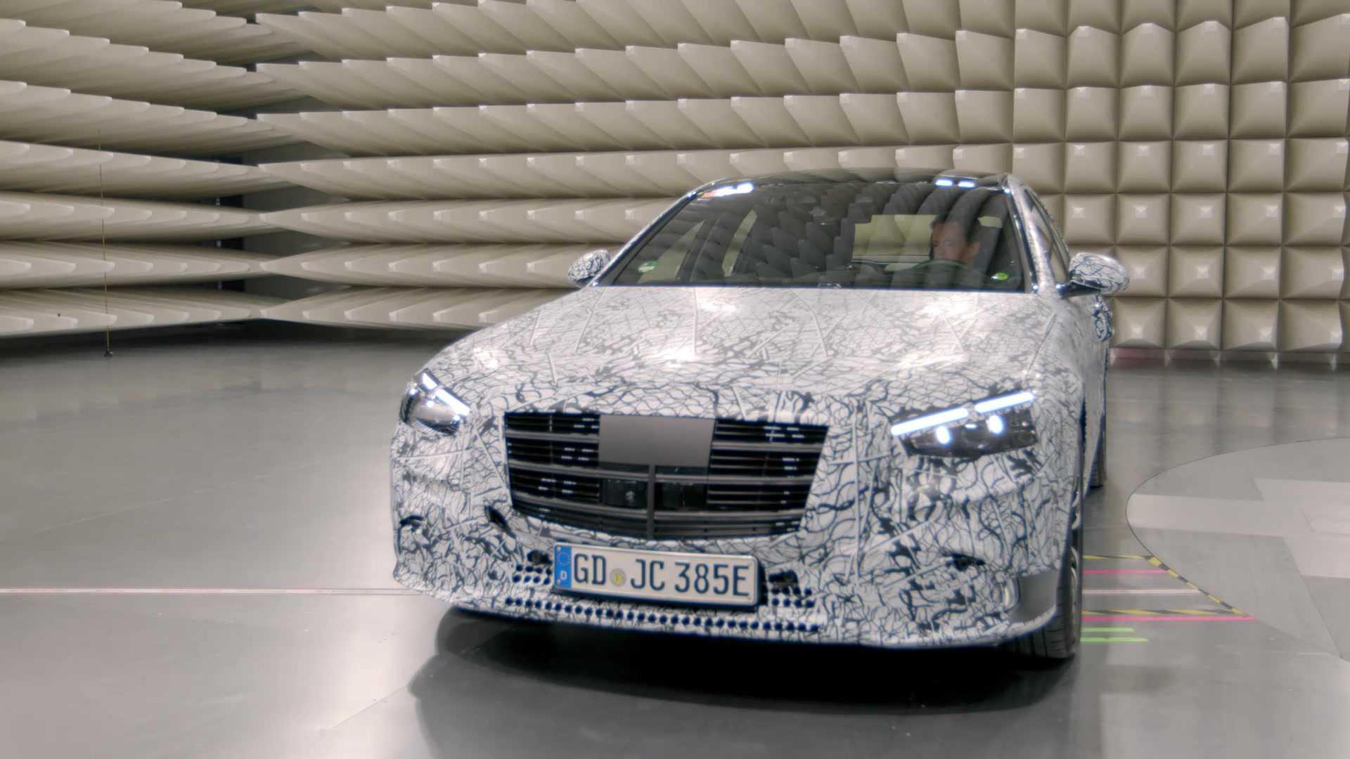 Mercedes-Benz подтверждает электрическую дальность 100 км / 62 м для нового PHEV S-класса