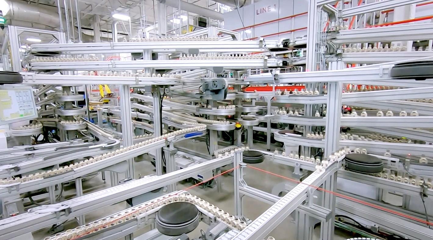 Тесла идет глубоко в Гига Невада в редкой витрине производственной линии элементов батареи