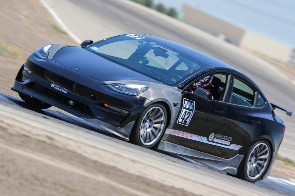 Непревзойденная производительность Tesla Model 3 устанавливает рекорд перед попыткой Pikes Peak