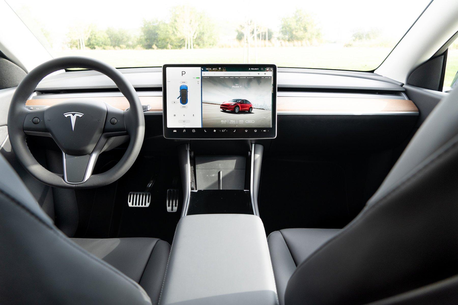 Tesla выпускает функцию «Passenger Face Vent» для повышения эффективности