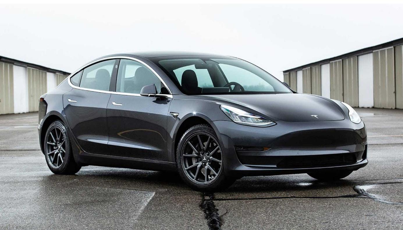Элон Маск говорит, что Teslas слишком дороги, намекает на новый компактный электромобиль