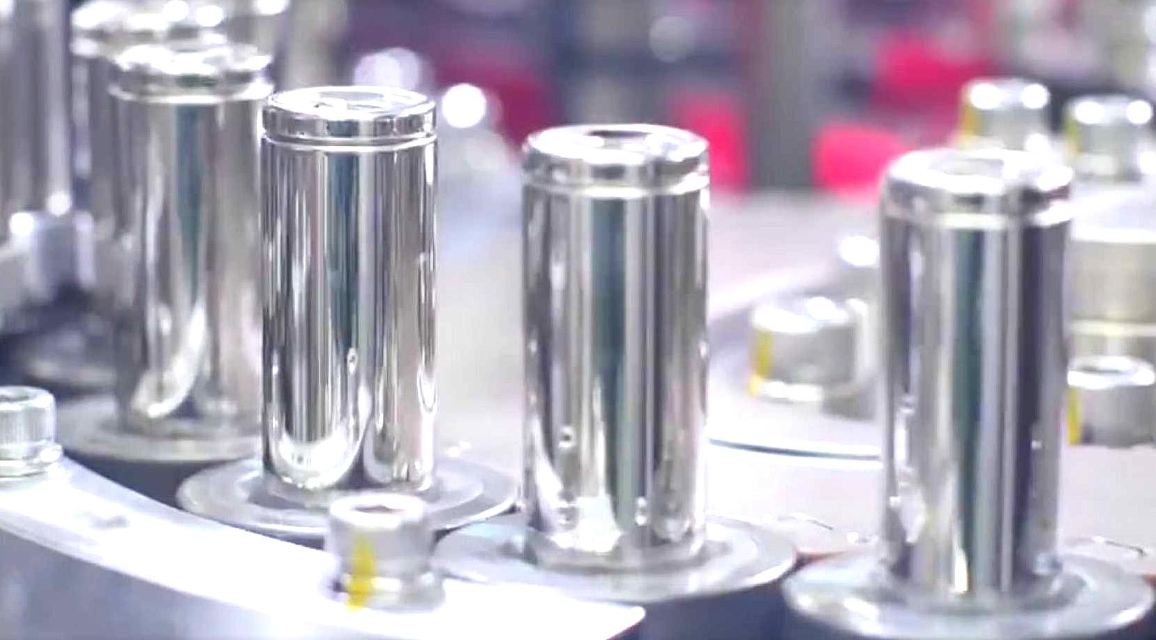 Плотность клеток Tesla 2170 возрастет, поскольку Panasonic устремляется к будущему без кобальта