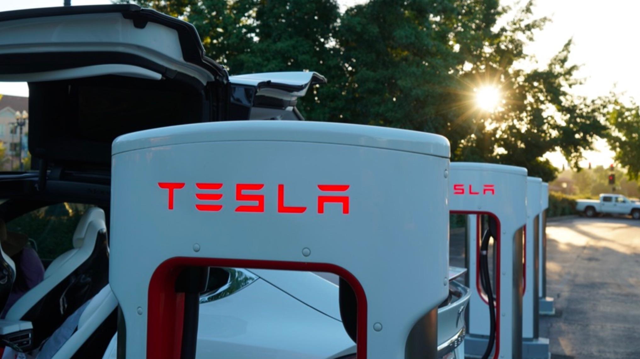 Шорты Tesla (TSLA) делают ставку в 20 миллиардов долларов против акций автопроизводителя