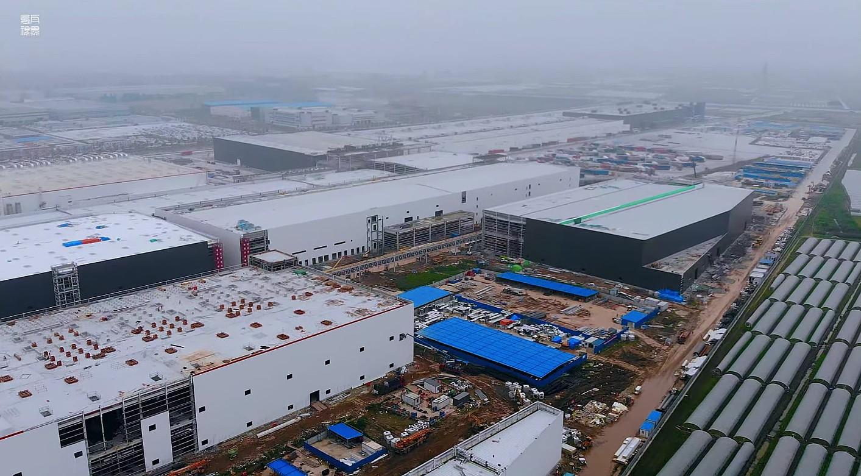 Тесла скатывает установку производственного оборудования Model Y в Giga Shanghai