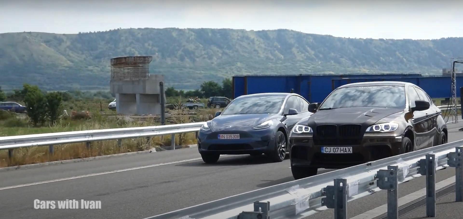 Tesla Model Y вытеснила внедорожник BMW X6 M стоимостью 100 тысяч долларов за четверть мили