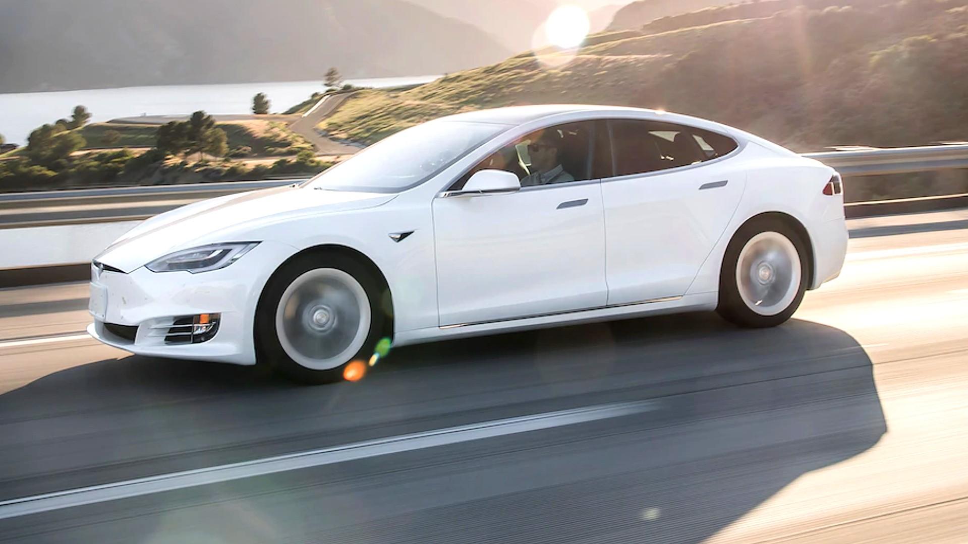 Как Tesla (TSLA) воспользовалась бумом розничных инвестиций
