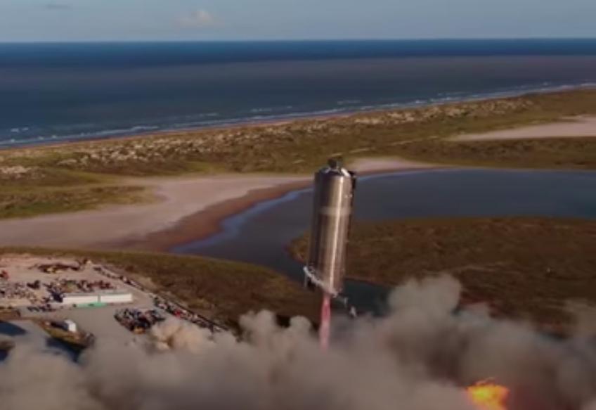 Звездолет SpaceX совершил запуск на 500 футов и приземлился
