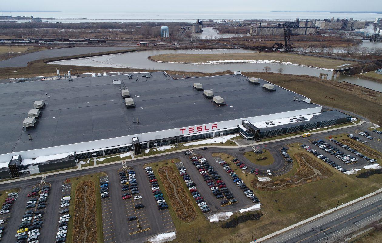 Tesla Energy наращивает найм в Giga New York для ускоренного производства солнечной энергии