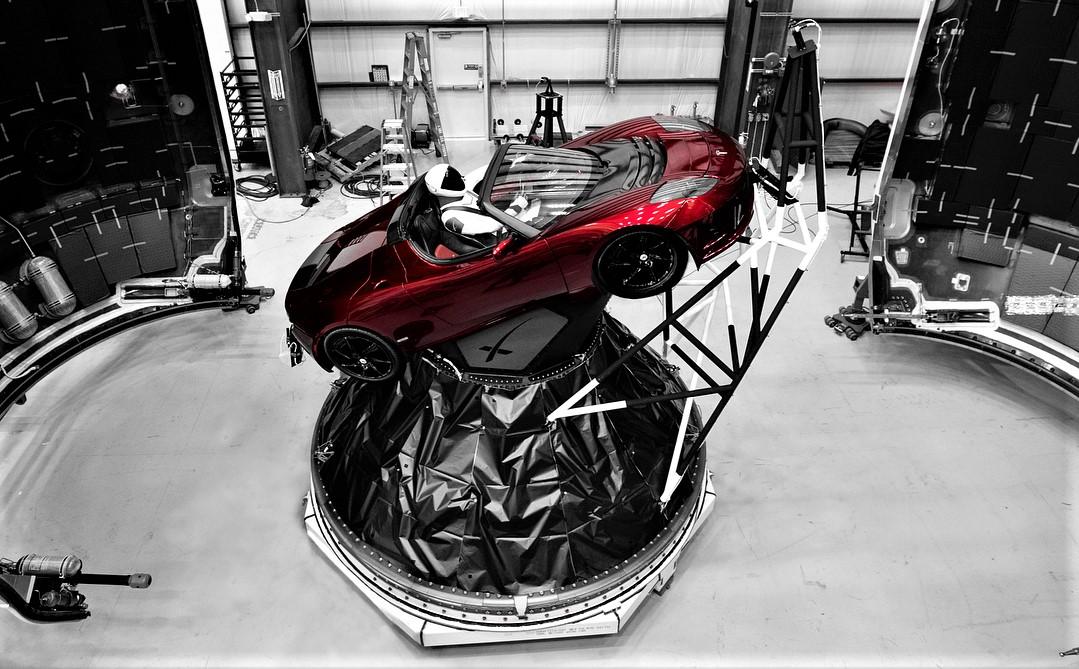 Tesla Roadster и `` друзья '' вошли в историю в недавно опубликованном журнале более 57 тысяч человеческих объектов в космосе