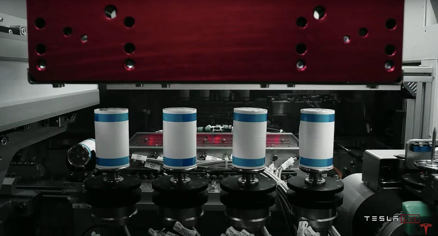 Новые 4680 аккумуляторных батарей Tesla уже несколько месяцев используются в рабочих автомобилях