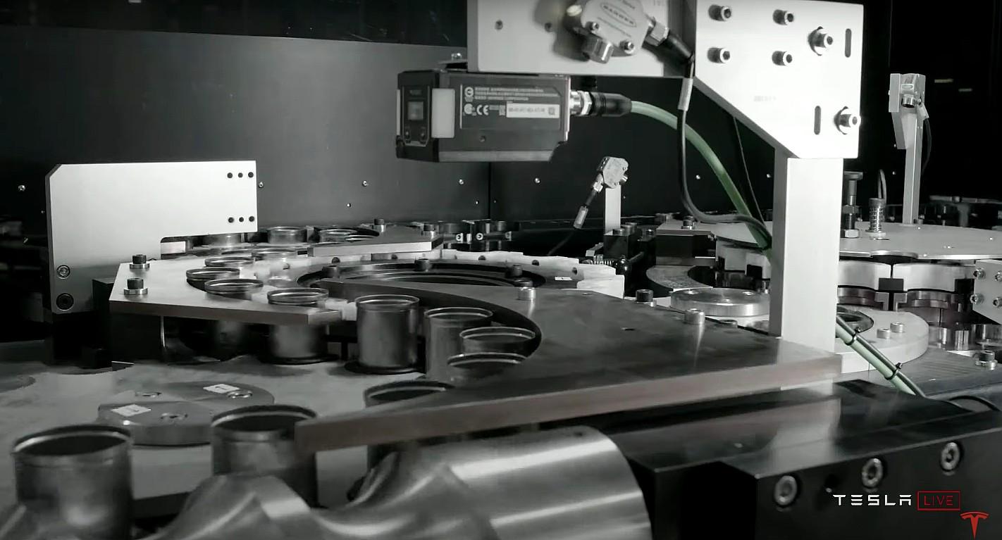 Пилотная линия Tesla Roadrunner станет одним из крупнейших в мире заводов по производству аккумуляторных батарей