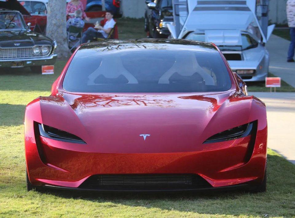 Tesla (TSLA) следует покупать «на случай краткосрочной слабости», - говорит аналитик.