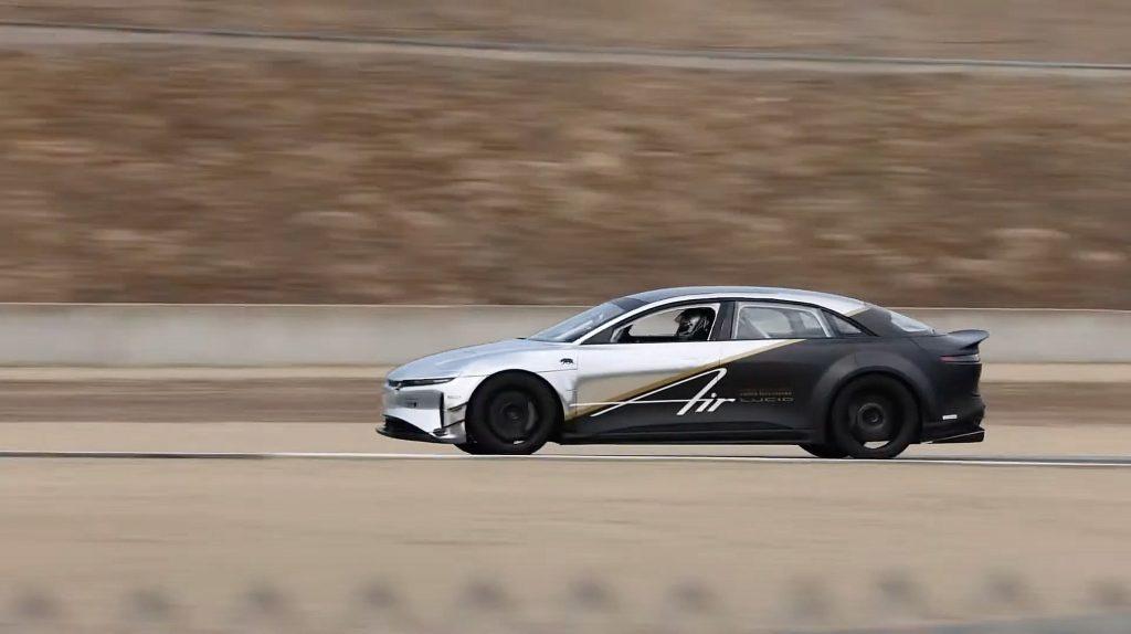Tri-Motor от Lucid побеждает рекорд Tesla Plaid в Laguna Seca