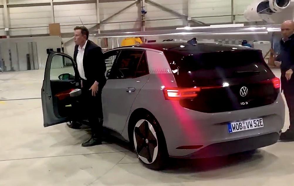 Volkswagen делится тест-драйвом Илона Маска VW ID.3: `` Это неплохо ''