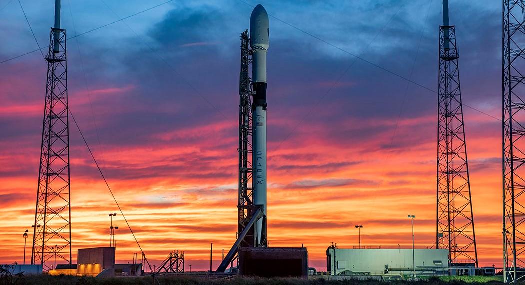 SpaceX ожидает запуска двух ракет Falcon 9 и приземления за одиннадцать часов