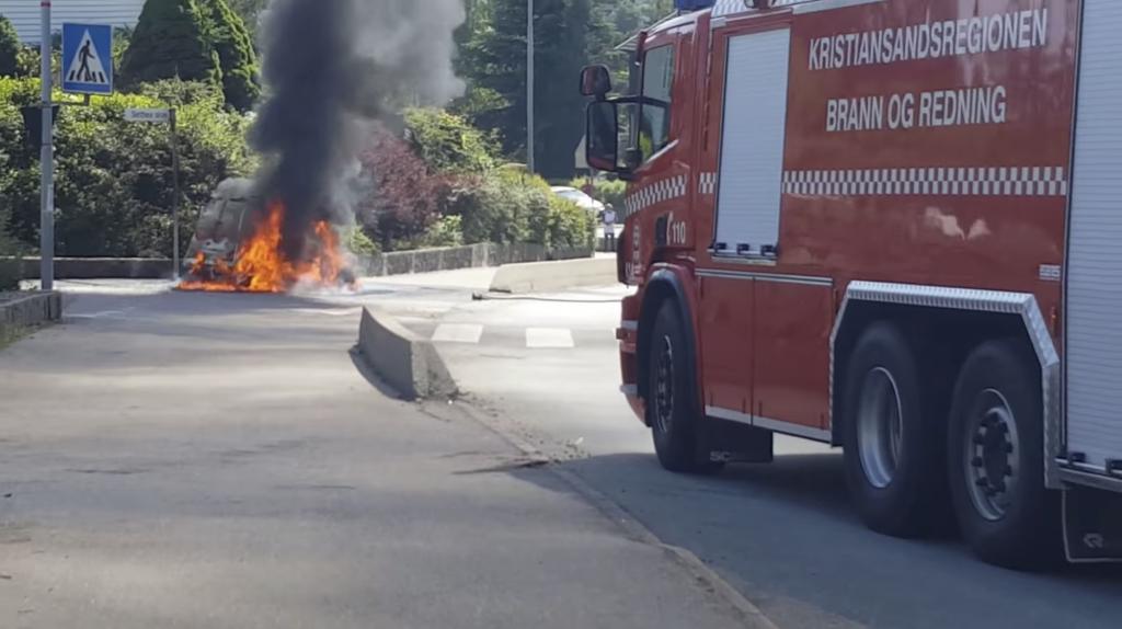 Пожары электромобилей - серьезное слабое место для пожарных служб: отчет NTSB