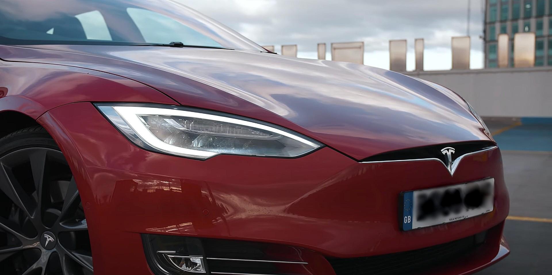 Аналитики Tesla (TSLA) корректируют целевые цены, исходя из долгосрочного роста.