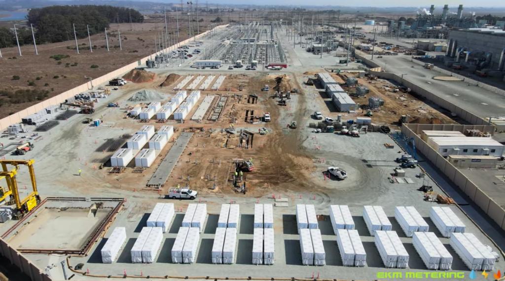 Гигантская аккумуляторная ферма Tesla Megapack в Moss Landing обретает форму