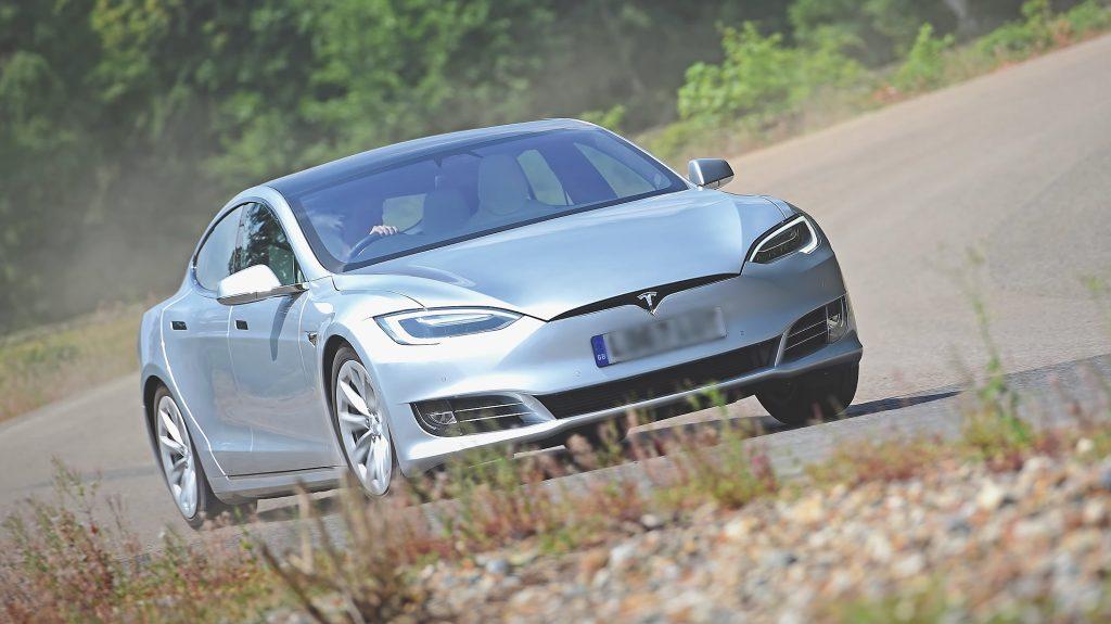 Илон Маск дразнит новые планы выхода Tesla в Индию