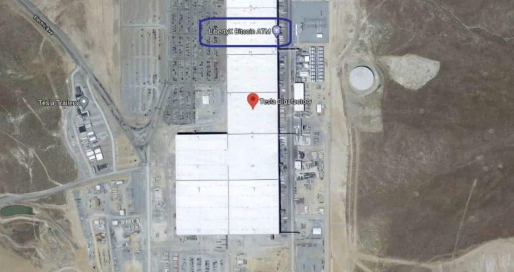 Tesla становится прогрессивной с биткойн-банкоматами на заводах