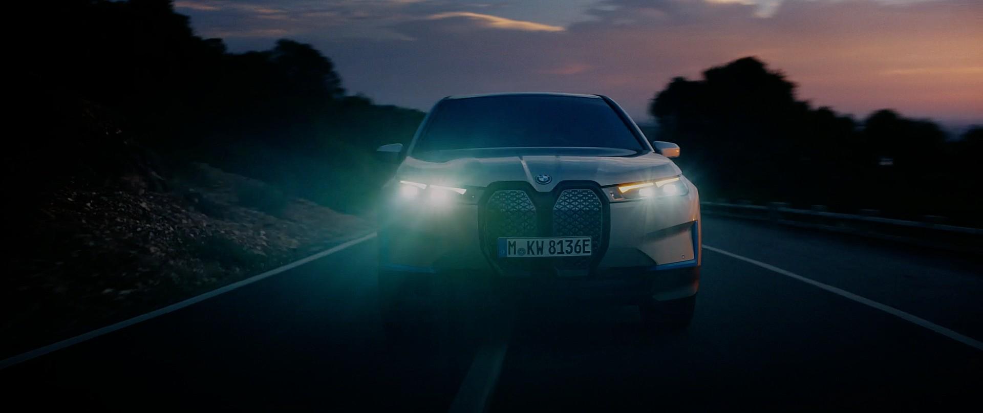 BMW ответит на Tesla Model X ... семь лет спустя