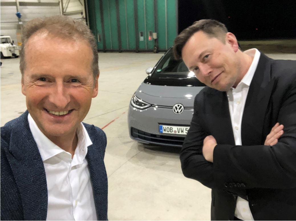 На фоне растущего лидерства Tesla в секторе электромобилей босс VW сплачивает свои войска, чтобы не стать следующей Nokia.