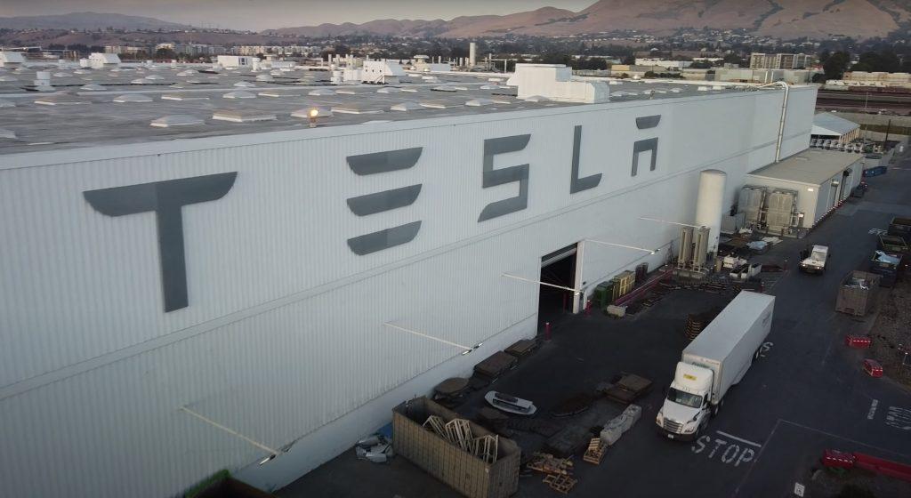 Tesla Bull делится мнениями о том, почему нормативные кредиты не имеют значения для прибыльности TSLA